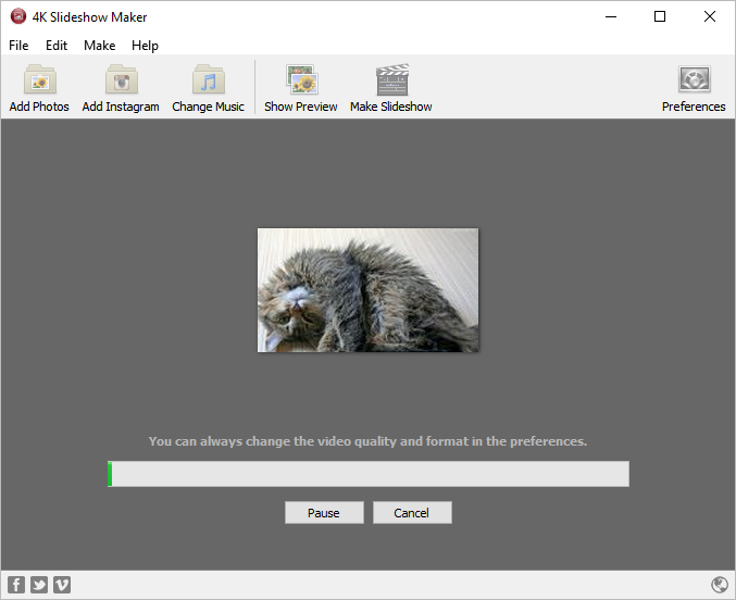 Wait until slideshow compiling in 4k Slideshow maker
